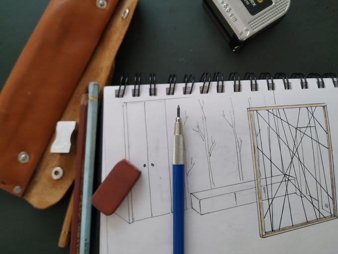 Claustra Jules B ruban Led et toile araignée dessin
