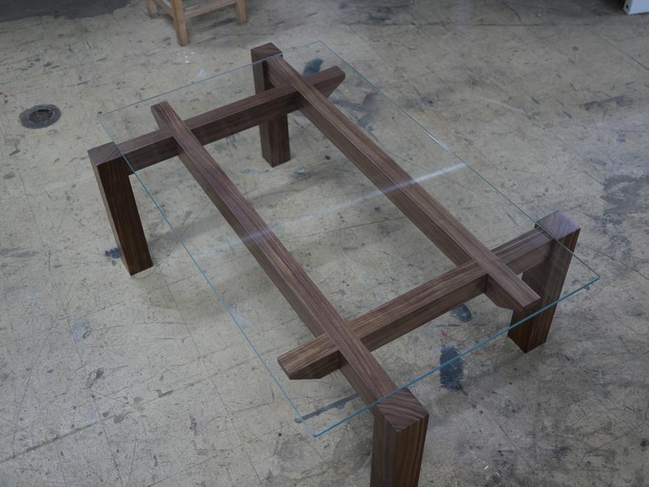 Table Basse Jules B Noyer Noir et verre - vue d'ensemble