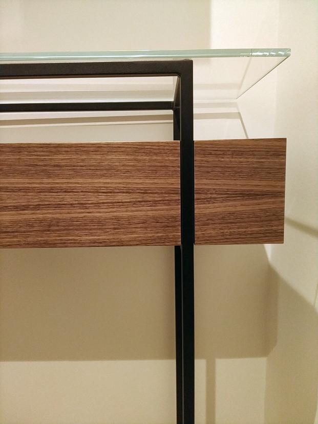 Détail console Jules B - détail tiroir - Noyer Noir US