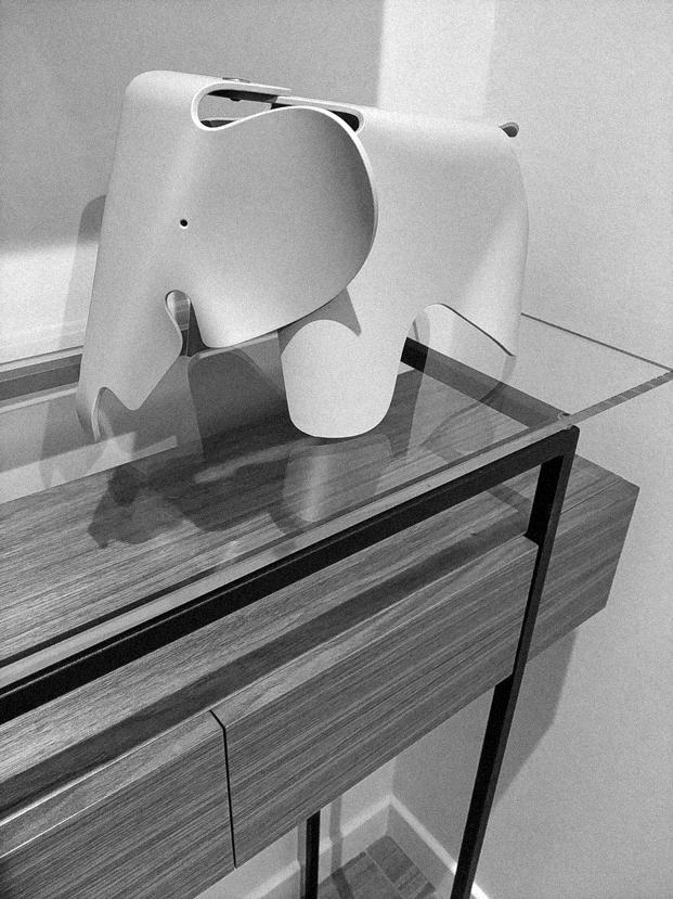 éléphant Eames sur console Jules B